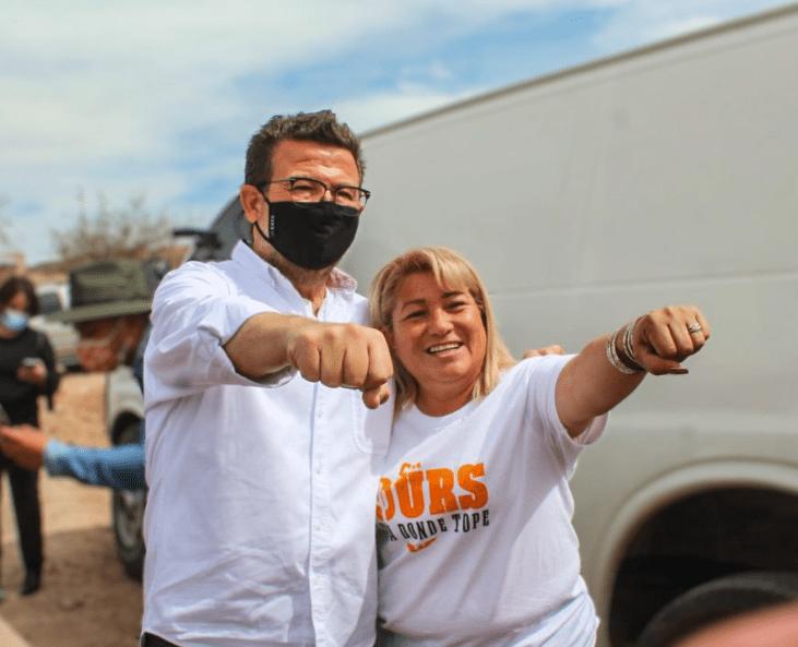Ricardo Bours en colonia ladrillera en Agua Prieta Sonora